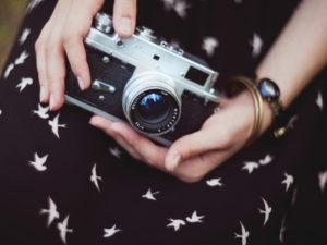 Человек боится фотографироваться