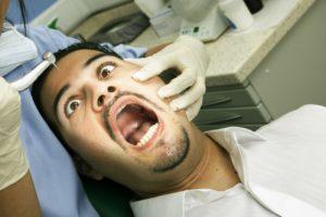 Почему все люди боятся стоматолога?