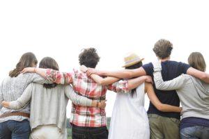 Почему люди дружат между собой?