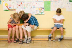Как научиться общаться ребенку в школе?