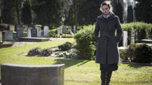 Депрессия после смерти близкого - как пережить?
