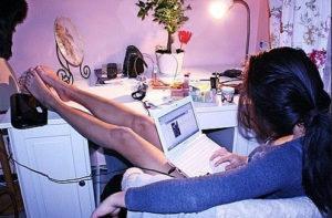 Можно ли влюбиться в человека по интернету?