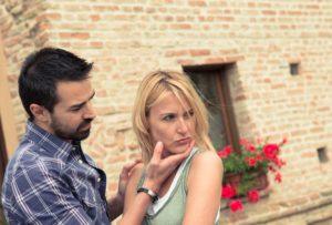 Каковы причины того, что она разлюбила и ушла?