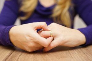 Как справиться с болью поле развода с любимым мужем?