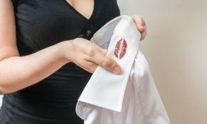 Почему возникли мысли о неверности супруга?