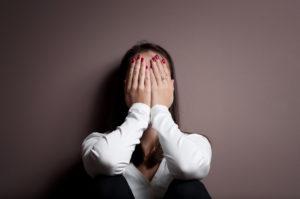 Закрыть глаза на измену партнера или не прощать?