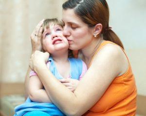 Что делать, если малыш постоянно психует и орет на родителей?