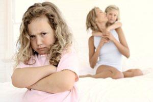 Признаки и проявления материнской нелюбви