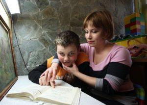 Как отличить болезнь от олигофрении?