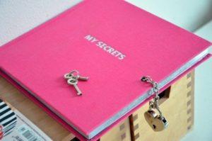 Секреты и вопросы в тетради