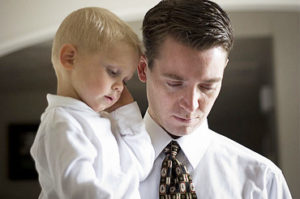 Мужчина живет на две семьи: особые причины