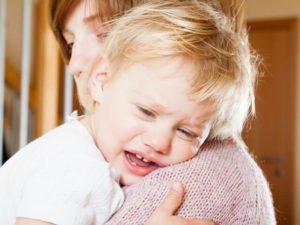 Как быстро справиться с истерикой у малыша в 1-2 года?