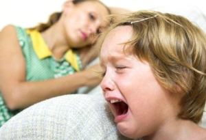 Как успокоить ребенка во время истерики?