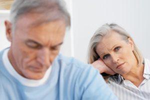 Почему супруги расстаются спустя десятилетия семейной жизни?