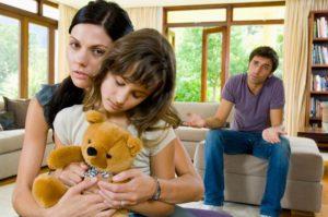 Жить вместе ради детей или развестись?