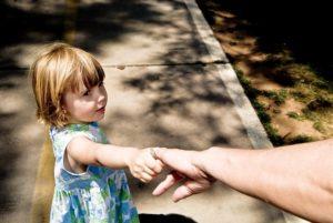 Дальнейшая жизнь семьи врозь и общение с отцом