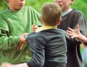 Ребенок не может дать сдачи: психология и причины