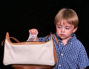 Почему дети воруют: причины
