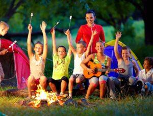 Как занять детей в лагере?
