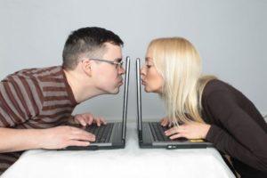 Преимущества и недостатки интернет-знакомств