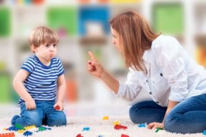 Почему ребенок не слушает воспитателя в саду?