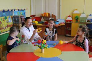 Развивающие игры для детей с отклонениями: примеры