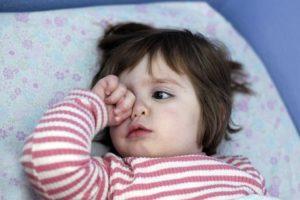 Почему ребенок все время хочет спать: причины сонливости