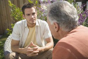 Почему отношения со взрослым ребенком 20-30 лет испорчены: причины