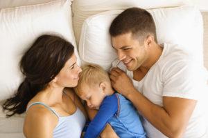 Как отучить ходить в кровать к родителям?