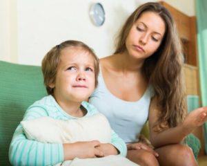 Почему малыш не слушается только маму?