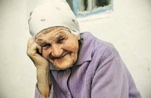 Галлюцинации у бабушки после инсульта: что делать?