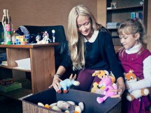Методы оказания помощи детям