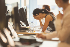 Особенности проявления давления на сотрудника