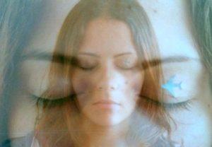 Каковы особенности эриксоновского самогипноза?