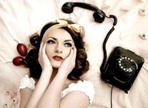 О чем поговорить с парнем по телефону?