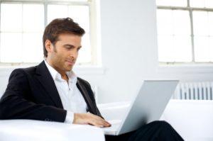 Как правильно общаться с девушками в сети: рекомендации