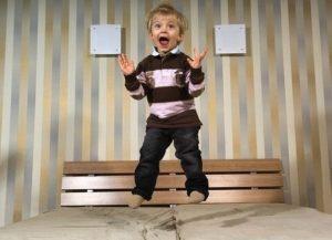 Причины и факторы крика во сне у детей и взрослых
