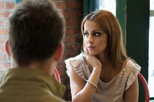 Что делать, если девушка игнорирует?